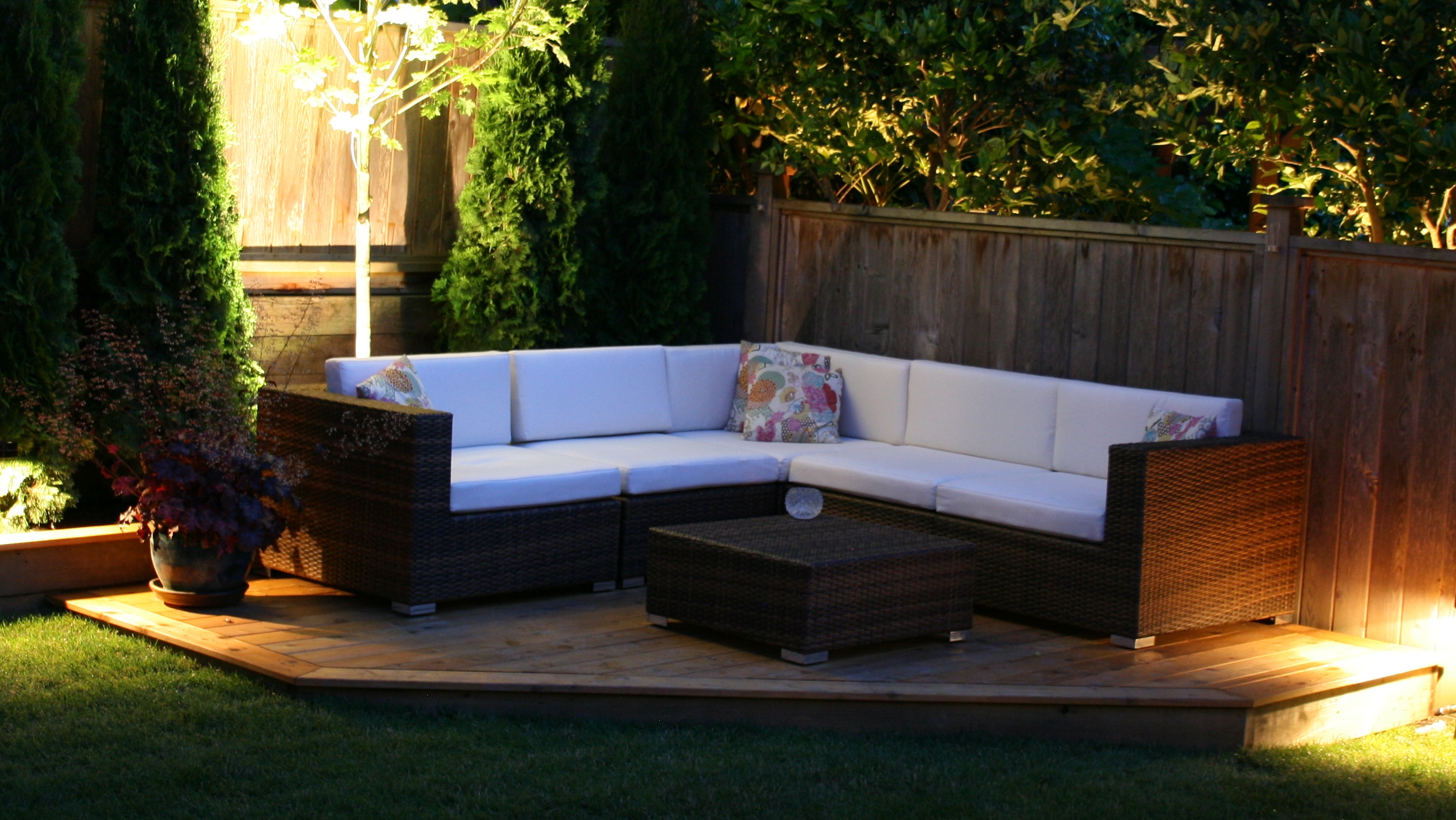 The kitsilano outdoor patio sectional