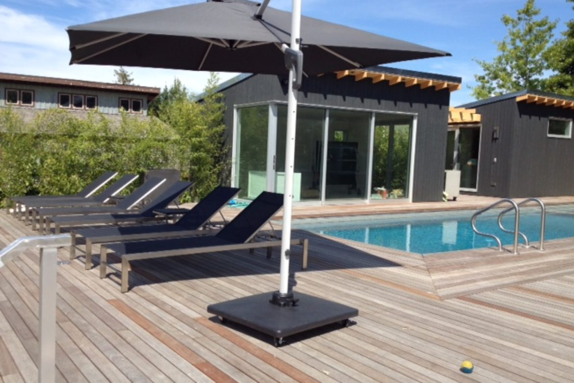 Your Place For Cantilever Umbrellas and Patio Furniture