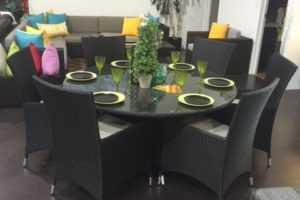Round Patio Dining Table