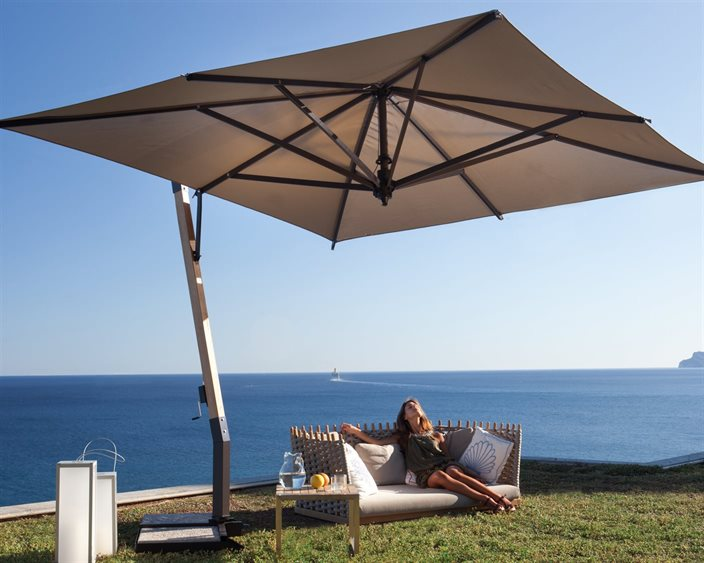 Offset Umbrella by Fim with ocean view | Vancouver Sofa and Patio