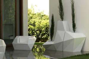 The Vondom Faz planter collection in a modern living room.